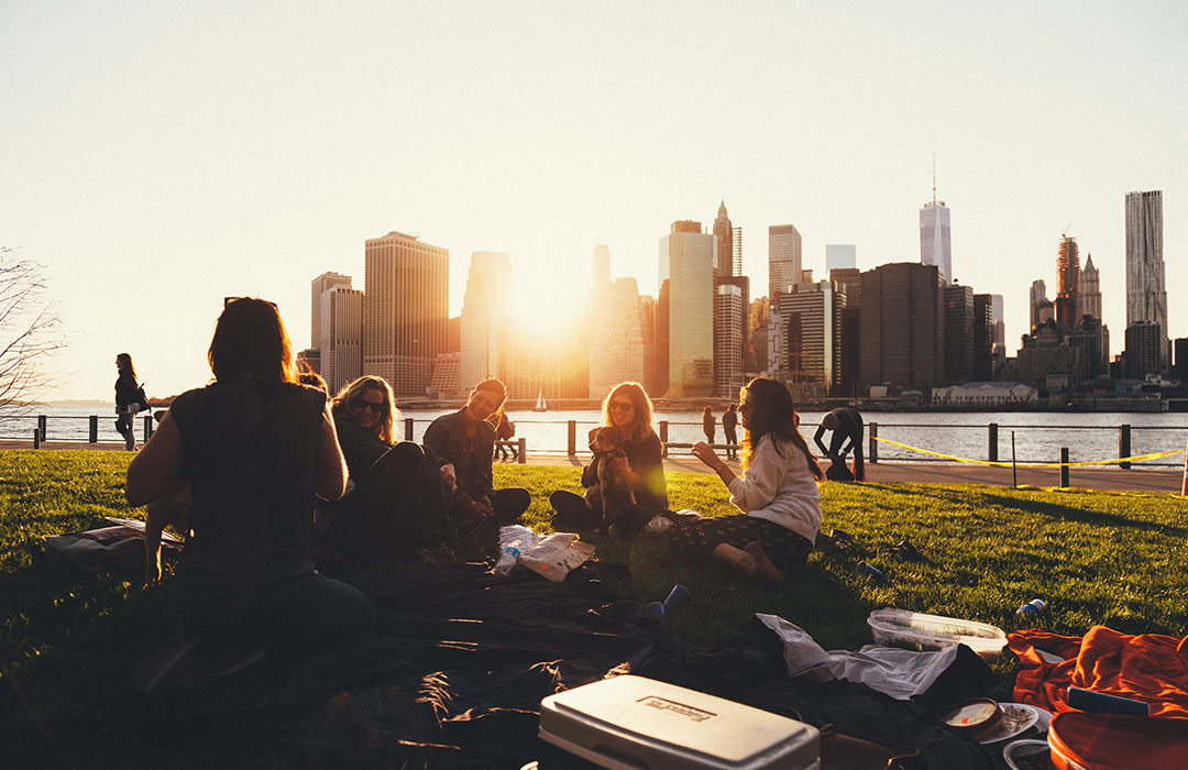 How-to make friends in a new city: 4 tips (Video)